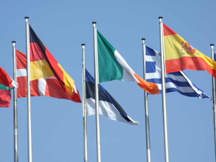 Flaggen & Wappen erraten