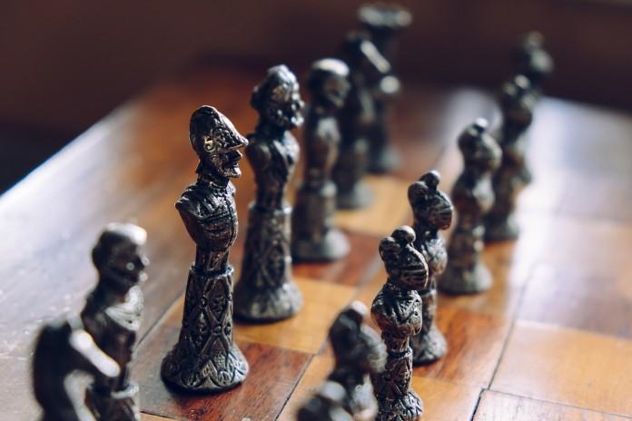 Gelände-Strategiespiel Stratego