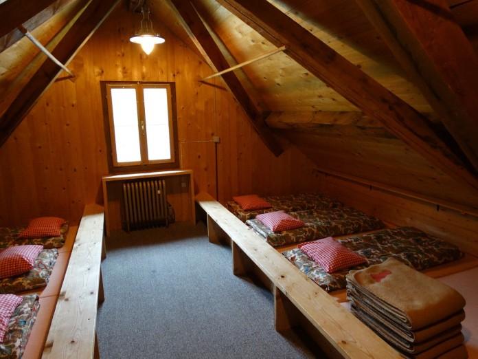 mattress-camp-436263_1280