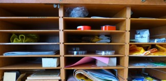 shelf-196575_1280