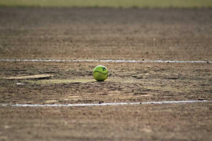 softball-348659_1280