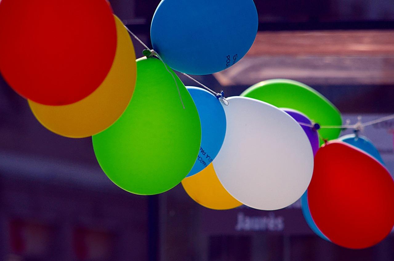luftballons platzen lassen spiel