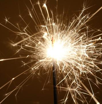 sparkler-667544_1280