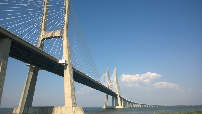 vasco-da-gama-bridge-992721_1280