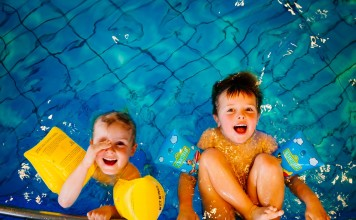 swimming-933217_1280