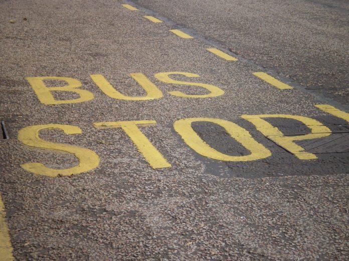 busstop-1406747_1280