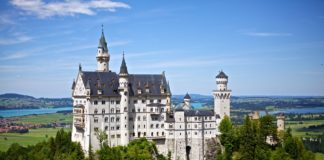 neuschwanstein-castle-germany-disney-40735