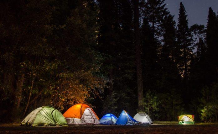 7 Camping-Spiele für Kinder