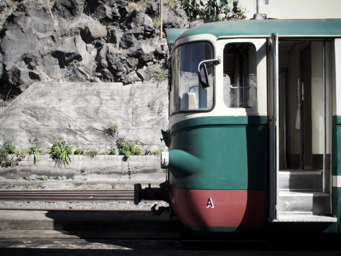 Bewegungsgeschichte für Kinder: Tschu tschu tschu die Eisenbahn