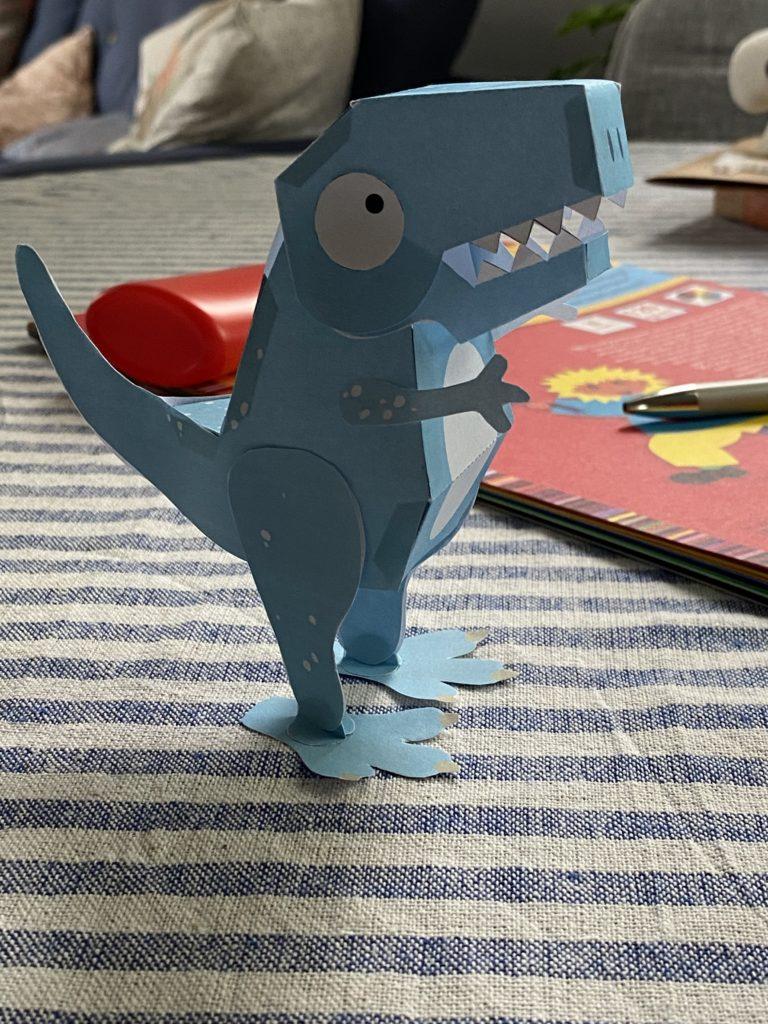 Bastelbogen: Ein Dinosaurier aus Papier
